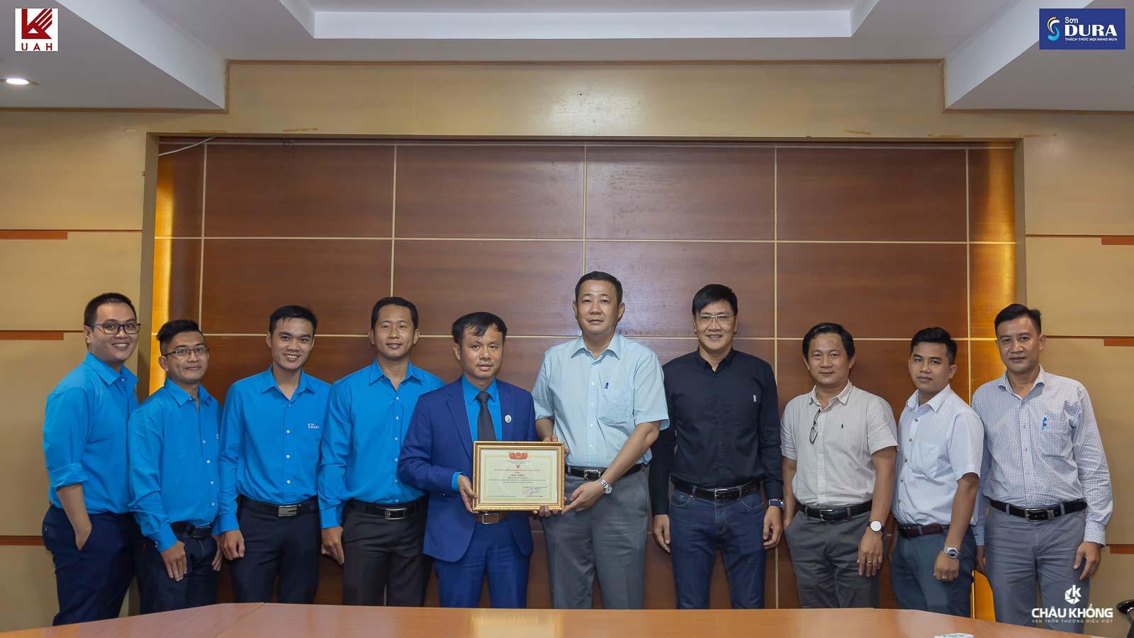 Tại buổi thảo luận hợp tác giữa Công ty TNHH Sơn DURA và Trường Đại học Kiến Trúc TPHCM